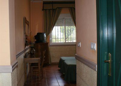 Hotel_4 (Large)